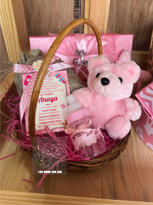 baby girl birth announcement chocolate wooden hampers under 600 rs