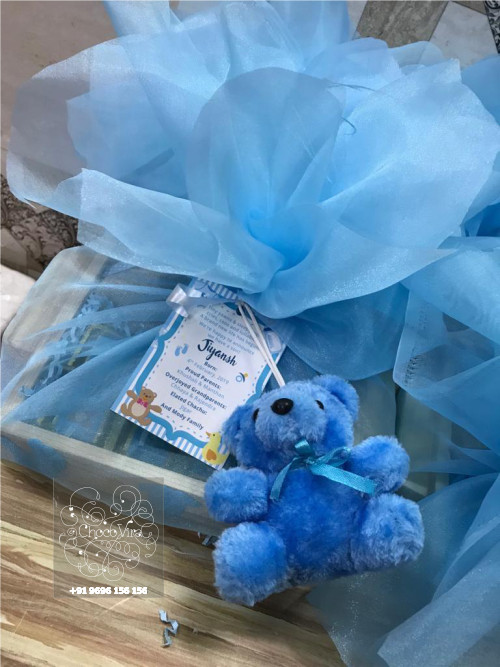 custom hampers for birth announcements for girl & boy in mumbai